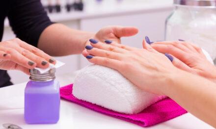 Ranking zestawów do manicure hybrydowego 2021