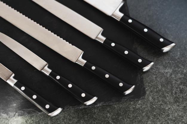 Komplet wysokiej jakości noży kuchennych