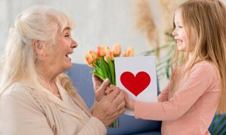 Ranking prezentów na Dzień Babci 2021