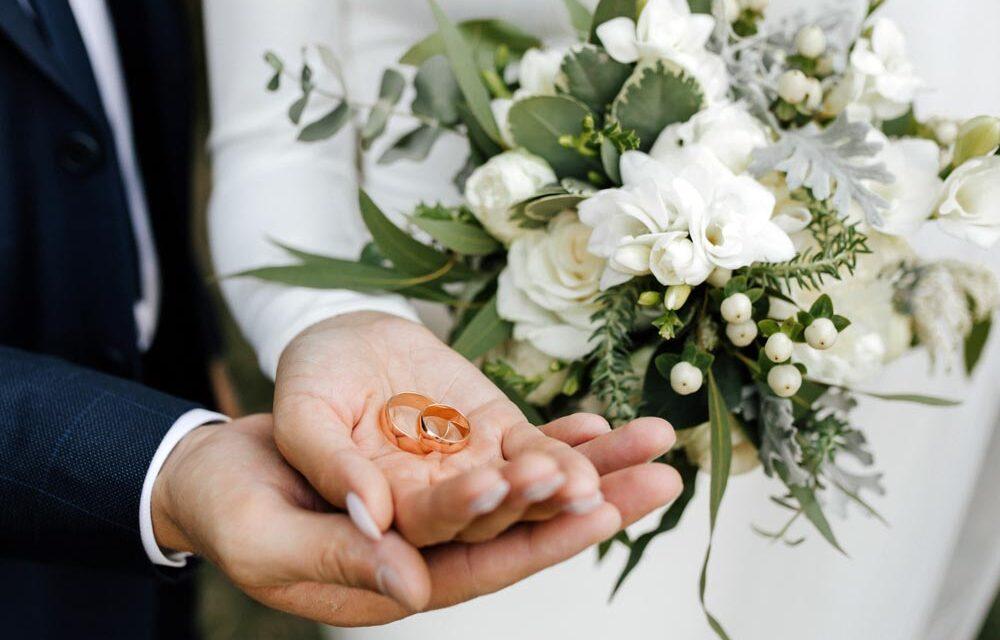 Ranking prezentów na rocznicę ślubu 2021