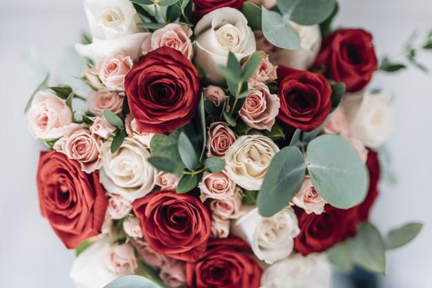 Kwiaty – klasyczny upominek dla każdej kobiety