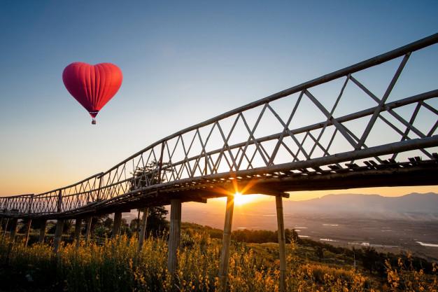 Voucher na przeżycie (np. lot balonem, skok ze spadochronem) – coś, czego nie zapomni do końca życia