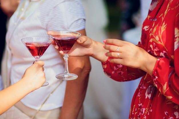 Voucher na przeżycie (np. masaż, degustacja win) – sposób na niezapomniane chwile
