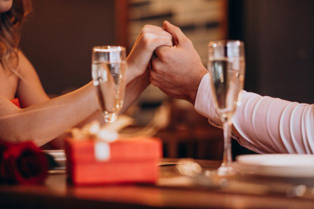Zaproszenie do restauracji – idealny pomysł na spędzenie czasu we dwoje