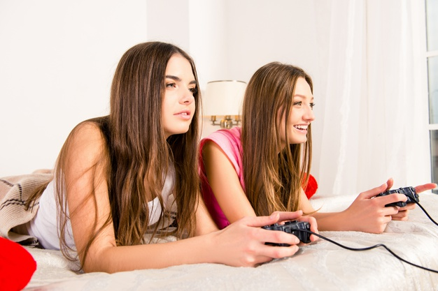 Zestaw gier na wieczór panieński – idealny pomysł na udaną zabawę