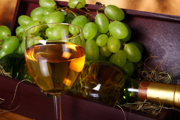 Alkohol w personalizowanej skrzynce – jedyny w swoim rodzaju podarunek