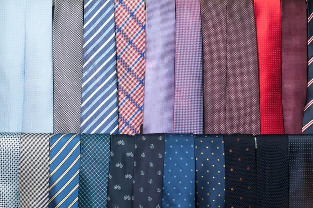Pudełko na krawaty – oryginalny i praktyczny prezent dla dziadka