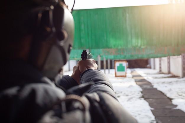 Voucher na przeżycie (np. wizyta na strzelnicy, nurkowanie) – niezapomniany prezent